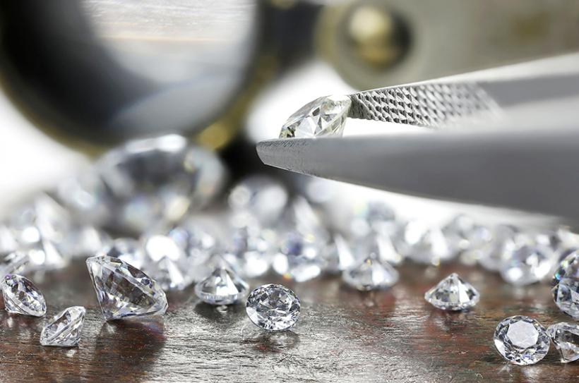 mua kim cương uy tín ở đâu pic cover