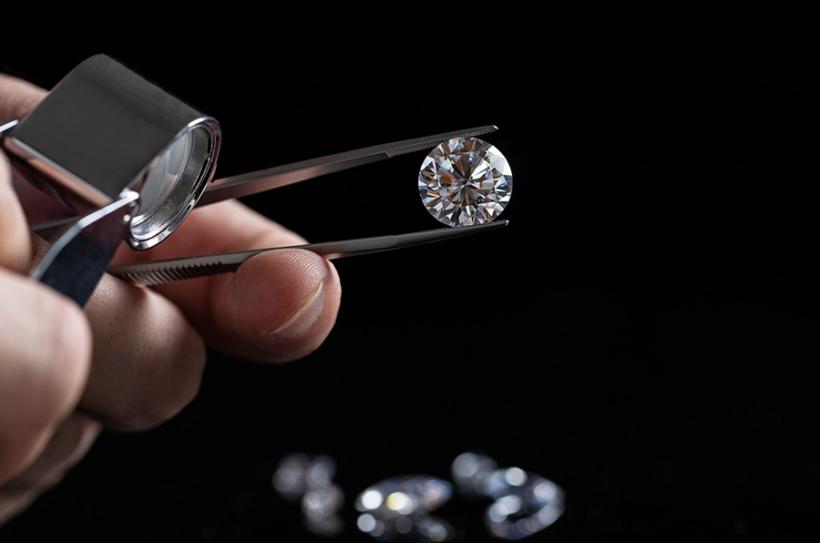 nhận biết kim cương thật